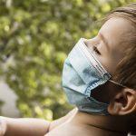 Testiranje otrok za novi koronavirus: kdaj bo moral otrok na odvzem brisa?