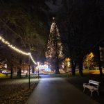 V Rogaški Slatini in Rogatcu prižgali praznično razsvetljavo (foto, video)