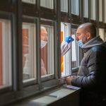 Najvišje nedeljsko število potrjenih okužb doslej. Ta teden množična testiranja za vse občine KiO
