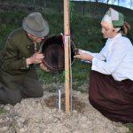 Ob svetovnem Dnevu zemlje v vseh krajevnih skupnostih občine Šentjur zasadili bogatinke in lipovce (foto)
