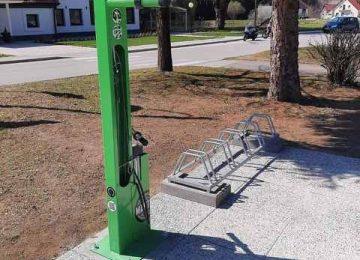 Stojalo za popravilo koles v Kozjem