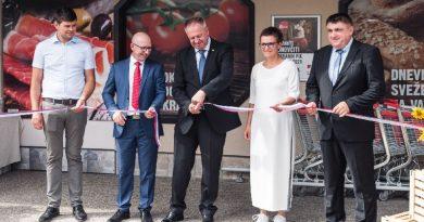 Otvoritev trgovine Kašča v Pristavi pri Mestinju obiskal tudi minister (foto)