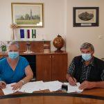 Podpisana pogodba za rekonstrukcijo javne poti v smeri zaselka Pecelj